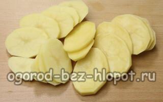 Соус для картоплі в духовці з майонезом і часником