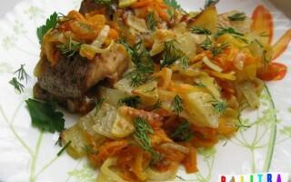 Щука в духовці з картоплею
