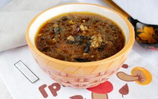 Суп із сушених білих грибів з картоплею
