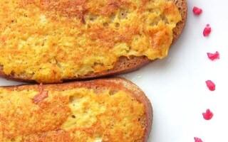 Рецепт смаженого хліба на сковороді