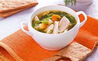 Зварити суп з індички з картоплею