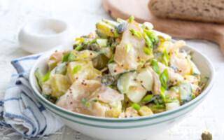 Рибний салат з картоплею