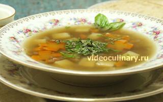 Пісний суп з сочевицею і картоплею