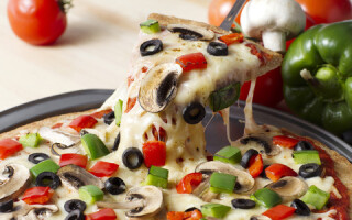 Як зробити піцу на сковороді