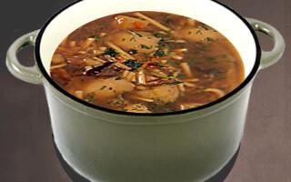 Суп з картоплею і вермішеллю