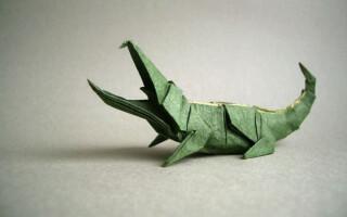 Як зробити крокодила з паперу