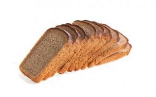 Грінки з чорного хліба зі шпротами і огірком рецепт з фото
