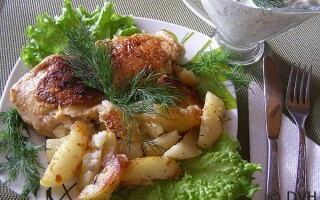 Курячі стегна з картоплею в мультиварці