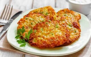 Рецепт дерунів з картоплі з сиром і ковбасою рецепт