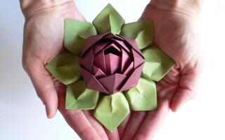 Як зробити квітку з паперу орігамі