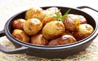 Картопля зі спеціями в духовці