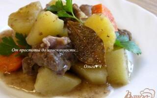 Рагу з яловичини з картоплею в мультиварці