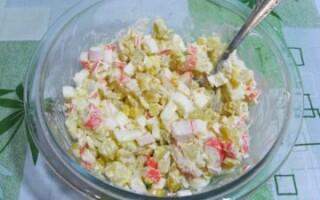 Салат із крабових паличок і картоплі