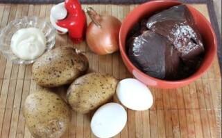 Печінкові оладки з яловичої печінки з картоплею рецепт