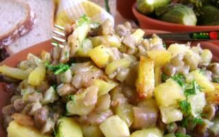 Картопля і баклажани запечені в духовці