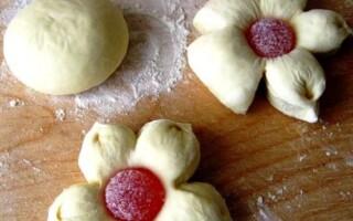 Як зробити тісто для булочок