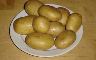 Щоб картопля не потемнів після очищення його