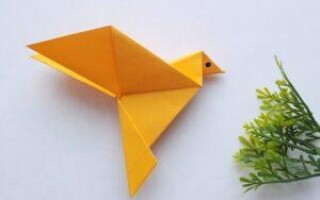 Як зробити птицю з паперу