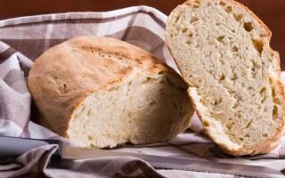 Кукурудзяний хліб на кефірі в духовці рецепт