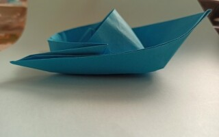 Як зробити катер з паперу