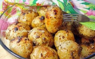 Молода картопля запечений в духовці в шкірці