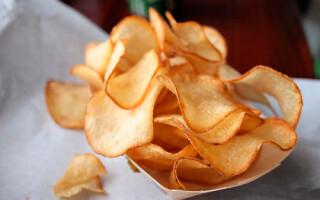 Чіпси з картоплі в духовці