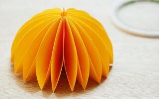 Як зробити парасольку з паперу