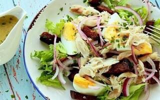 Салат зі скумбрії гарячого копчення з картоплею