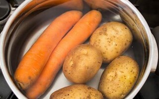 Що вариться довше картопля або морква