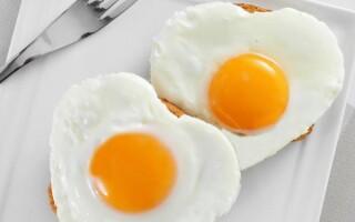 Яйце на хлібі в мікрохвильовці рецепт з фото