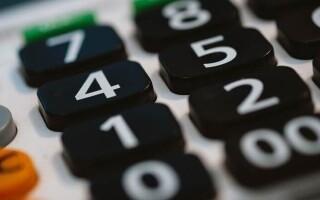 Як зробити калькулятор в python
