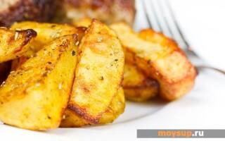 Салат зі смаженою картоплею соломкою рецепт