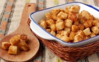 Сухарики з білого хліба в духовці рецепт з фото
