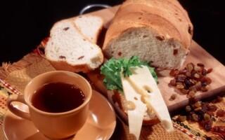Рецепт житнього хліба в духовці з родзинками