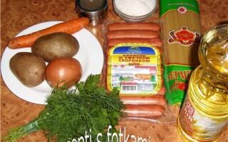 Сирний суп з сосисками і картоплею