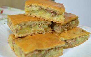 Пиріг з сайра консервованої та картоплею