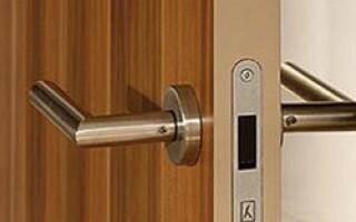 не працює магнітний замок на міжкімнатних дверей як полагодити