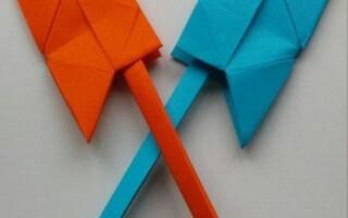 Як зробити сокиру з паперу