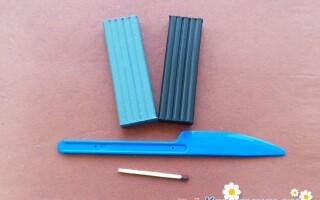Як зробити літак з пластиліну