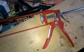 як полагодити пістолет для герметика