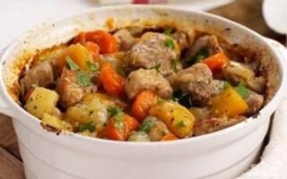 Соус по домашньому з картоплею і свининою